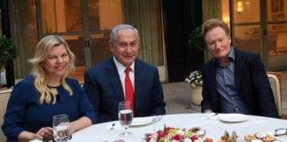 Benjamin og Sara Netanyahu tok imot Conan O'Brien i statsministerboligen. (Foto: Kobi Gideon/Flickr)