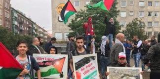 I flere dager ble det demonstrert mot Israel i Helsingborg. Det ble også spredt antisemittisme på demonstrasjonen. (Foto: Facebook)