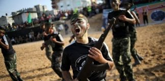 120.000 gutter og jenter har deltatt på Hamas´ omstridte sommerskoler i år. (Foto: The Israel Project/Flickr)