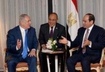 Benjamin Netanyahu møtte Abdel Fattah al-Sisi for første gang offentlig. I midten sitter tolken. (Foto: Avi Ohayun/Flickr)