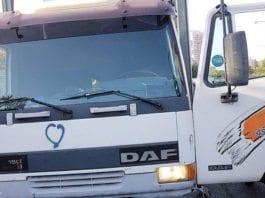 En palestinsk mann hadde planer om å kjøre ned soldater med denne stjålne lastebilen. (Foto: Politiet)