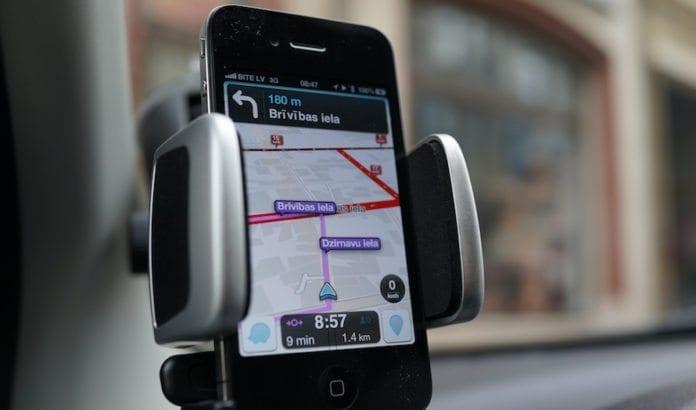 Den populære navigasjonsappen Waze kan bli forbudt i Iran. (Foto: Kārlis Dambrāns/Flickr)