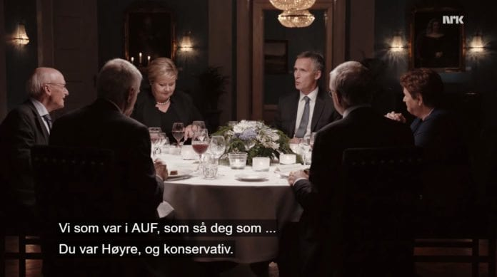 Jens Stoltenberg roser Kåre Willoch i NRK-serien «Da vi styrte landet». (Skjermdump fra NRK)
