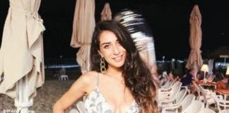 Tamar Morali håper å representere Tyskland i Miss Universe. Her fotografert på stranden i Tel Aviv. (Foto: Privat)