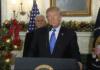 Donald Trump anerkjenner Jerusalem som Israels hovedstad. I bakgrunnen visepresident Mike Pence. (Foto: Skjermdump)