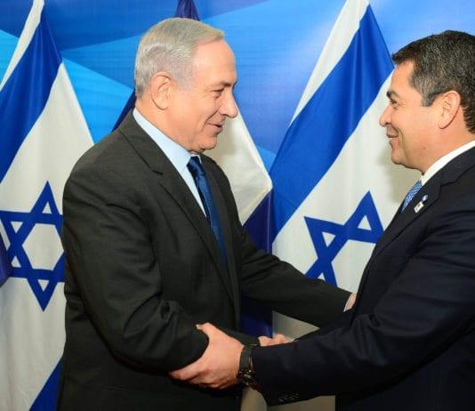 Benjamin Netanyahu tar imot Honduras president Juan Orlando Hernandez i Jerusalem i 2015. (Foto: Kobi Gideon/Flickr)