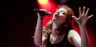 Den newzealandske musikeren Lorde må tåler kraftig kritikk etter å ha avlyst Israel-konserten på grunn av press. (Foto: Pressefoto)