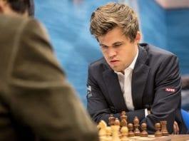 Magnus Carlsen mener det må løses at Israel får delta i VM i Saudi-Arabia. (Foto: Frans Peeters, flickr)