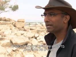Arkeologistudent Assaf Avraham sammenligner ødeleggelsene med det IS gjorde i Irak og Syria. (Foto: Skjermdump fra Hadashot)