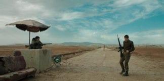 Det ble ingen Oscar-nominasjon på den kritikerroste spillefilmen «Foxtrot». (Foto: Skjermdump)