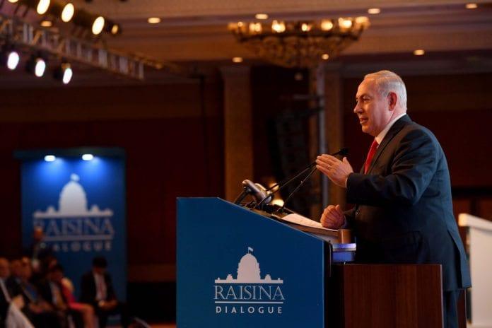 Netanyahu taler for en forsamling i New Dehli under sitt India-besøk i januar 2018. (Foto: Avi Ohayon/Flickr)