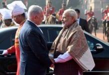 Benjamin Netanyahu blir tatt imot av Indias statsminister Narendra Modi. (Foto: Avi Ohayon/Flickr)
