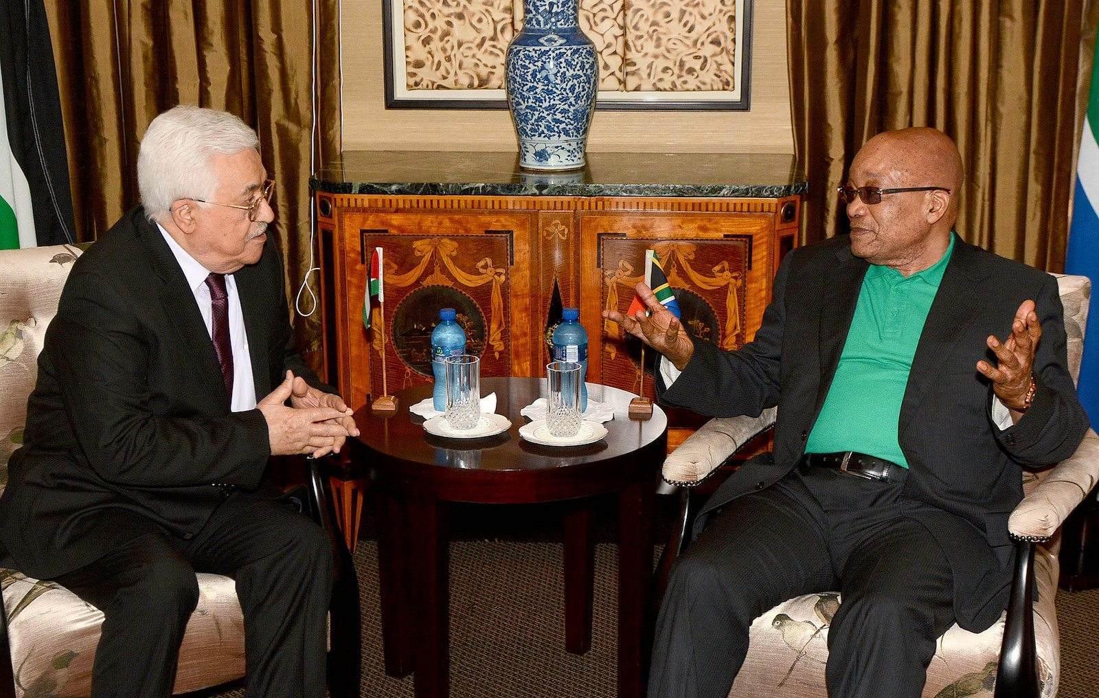 Sør-Afrikas president Jacob Zuma og palestinernes president Mahmoud Abbas. (Foto: GCIS)
