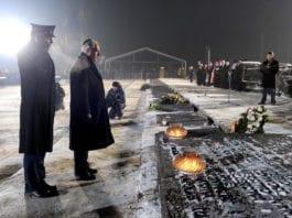 Benjamin Netanyahu ved markeringen av 65-årsdagen for frigjøringen av Auschwitz i 2010. (Foto: Flickr/CC)