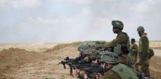 Israelske soldater er i beredskap langs grensen mellom Gazastripen og Israel. (Foto: Det israelske forsvaret)
