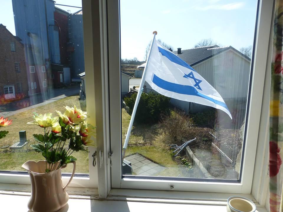 Også i Vestfold flagges det.