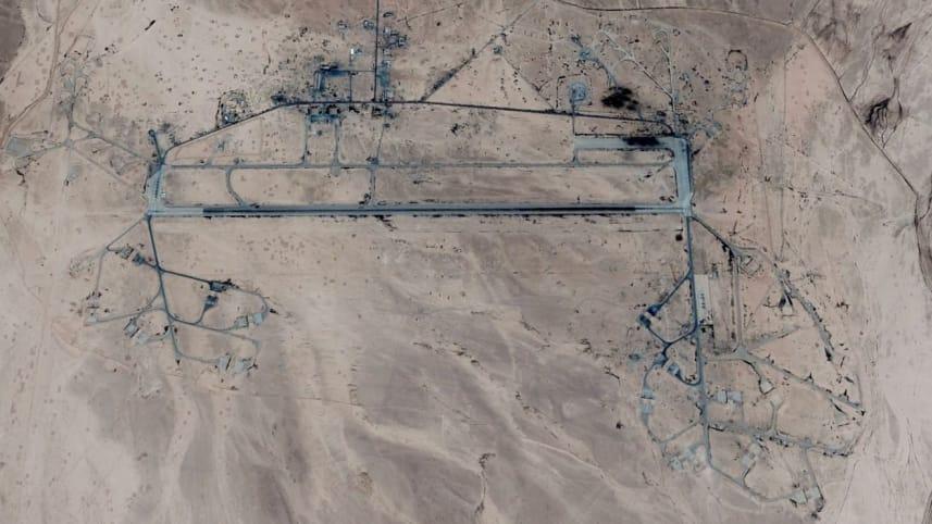 Den syriske T-4-basen som ble angrepet mandag. Her prøver Iran å etablere en flybase. (Foto: Google)