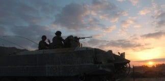En av de siste israelske tanksene forlater Gazastripen i september 2005. (Foto: Det israelske forsvaret)