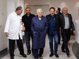De palestinske selvstyremyndighetene publiserte dette bildet av Abbas da det oppstod rykter om helsetilstanden hans.
