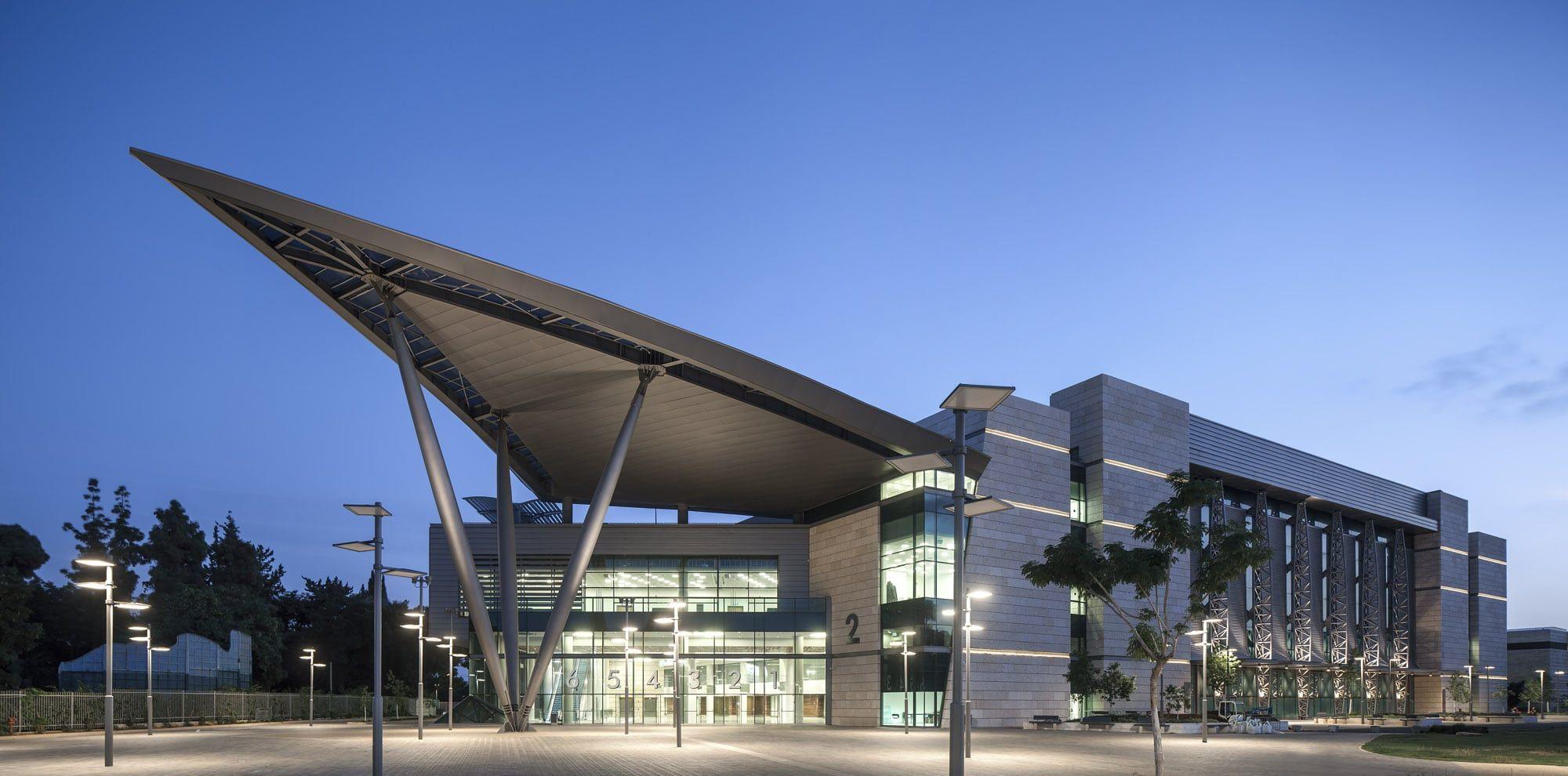 Mye tyder på at neste års Eurovision-konkurranse vil bli arrangert i dette bygget i Tel Aviv.