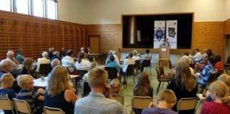 Nærmere 50 personer deltok på stiftelsesmøtet til MIFF Larvik-Sandefjord torsdag 7. juni 2018. (Foto: Kjetil Ravn Hansen)