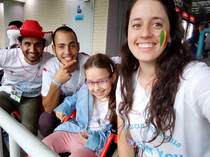 - Dette er mitt livs største opplevelse, sa ni år gamle Polina Feldman om turen til fotball-VM. (Foto: Hagsamat Halom)