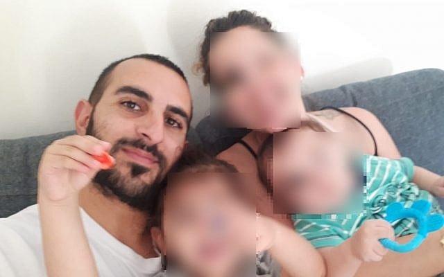 Terrorofferet Yotam Ovadia sammen med familien sin. (Foto: Privat)