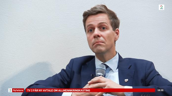 Israel er ikke stort og viktig nok til å bli nevnt i boken til KrF-leder Knut Arild Hareide. (Skjermdump fra pressekonferansen via TV2 Nyhetskanalen)