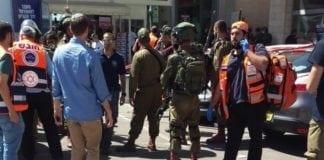 En 45 år gammel israeler ble knivstukket og drept av en 17 år gammel palestinsk terrorist. (Foto: United Hatzalah)