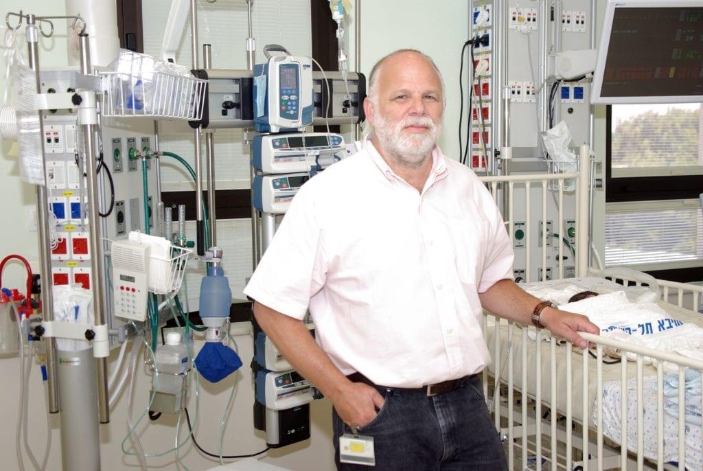 David Mishaly hadde ansvaret for operasjonen. Han er stolt over sykehuset han jobber ved. (Foto: Sheba-sykehuset)