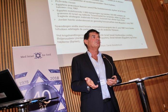 Max Meyer, leder av Dansk Zionistforbund (DZF), snakket om viktigheten av Israel som en nødhavn for verdens jøder. (Foto: Bjarte Bjellås)