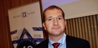 Forsker Shaun Sacks i NGO Monitor forklarte på MIFF Forum hvordan norske bistandspenger misbrukes mot Israel. (Foto: Bjarte Bjellås)