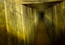 Slik ser tunnelen som ble ødelagt ut på innsiden. Den skal ha gått 200 meter inn på israelsk territorium. (Foto: IDF)