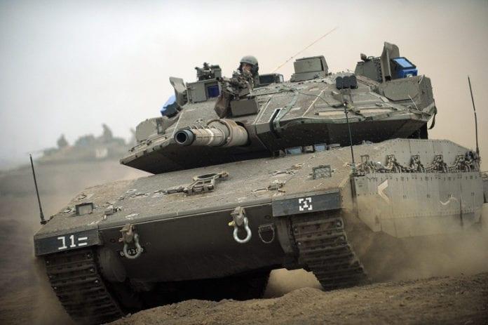 Den israelskproduserte stridsvognen Merkava IV er kåret til en av verdens beste. (Foto: Wikimedia Commons)