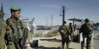 Det har vært flere terrorangrep ved Gush Etzion de siste årene. Her vokter soldatene området etter et angrep i november 2017. (Foto: IDF)