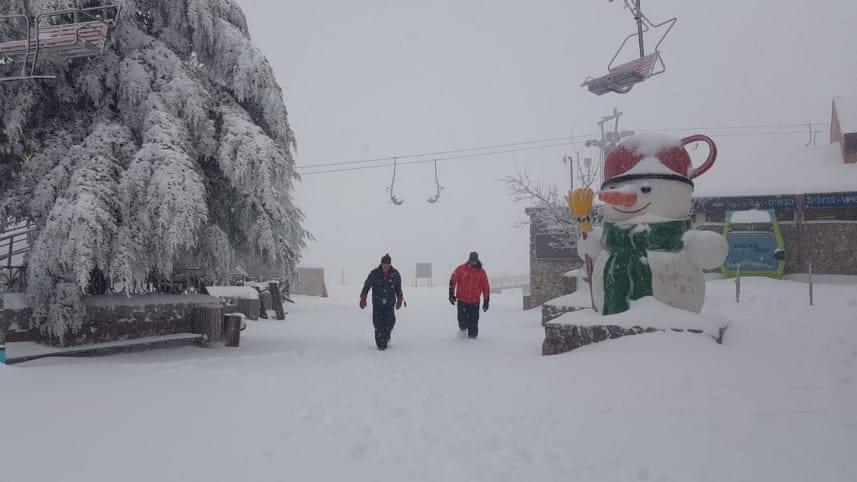 Savner du gode skiforhold? Da er det bare å sette kursen mot Israel. (Foto: Hermon Ski Resort)