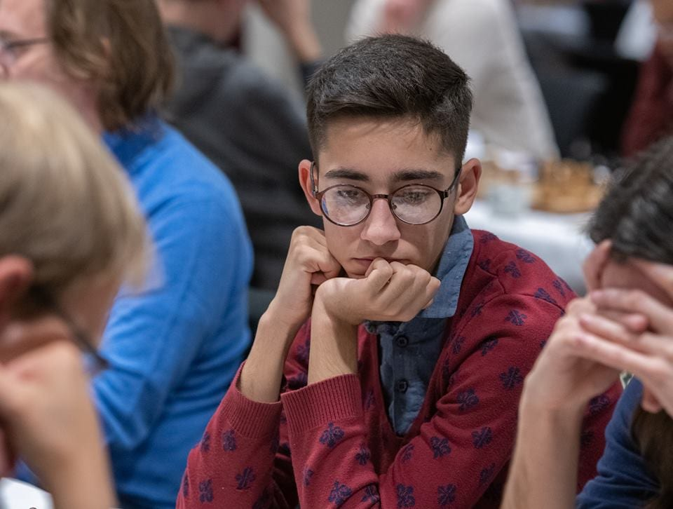 Den iranske sjakkspilleren Aryan Gholami på turneringen i Sverige. (Foto: Lars OA Hedlund, via Nordic Chess School)