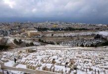 Jerusalem forbereder seg på snø de kommende dagene. Her fra et snøfall i 2013. (Foto: Wikimedia Commons)