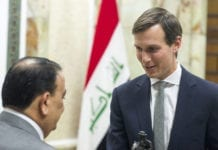 Jared Kushner hilser på Iraks forsvarsminister Erfan al-Hiyal i Baghdad i april 2017. (Foto: Dominique A. Pineiro/Flickr)