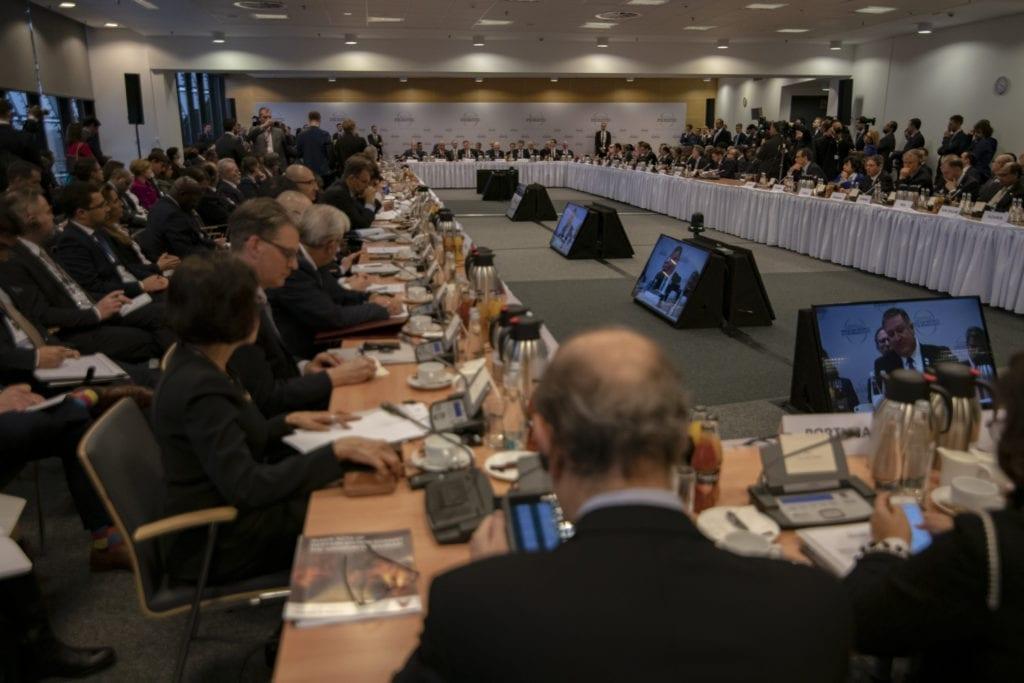 Statsledere og diplomater fra en rekke land deltok på Midtøsten-konferansen i Warszawa. (Foto: US State Departement)