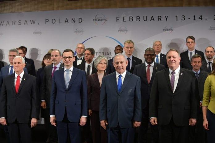 USAs visepresident Mike Pence, Polens statsminister Mateusz Morawiecki, Israels statsminister Benjamin Netanyahu og USAs utenriksminister Mike Pompeo var noen av deltakerne på Warszawa-konferanse i februar. (Foto: US State Departement)