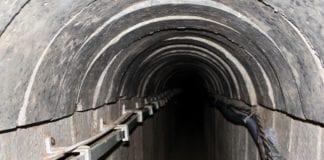 Den underjordiske delen av barrieren skal forhindre slike terrortunneler inn på israelsk territorium. (Foto: Bjarte Bjellås)