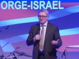 Jon Hanssen-Bauer, Norges ambassadør i Israel, taler i Stavanger 4. mars 2019. (Foto: Vasvik Media)