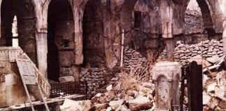 Ruinene av den sentrale synagogen i Aleppo etter pogromen i 1947. (Illustrasjonsfoto: Wikimedia Commons)
