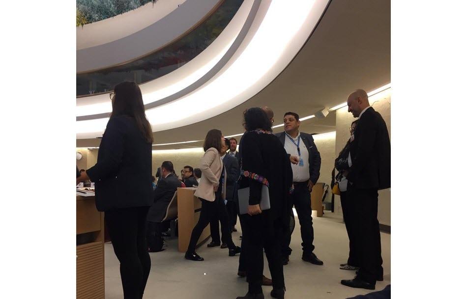 Loai Deeb, person nummer tre fra høyre, i FNs menneskerettighetsråd 18. mars 2019. (Foto: Privat)