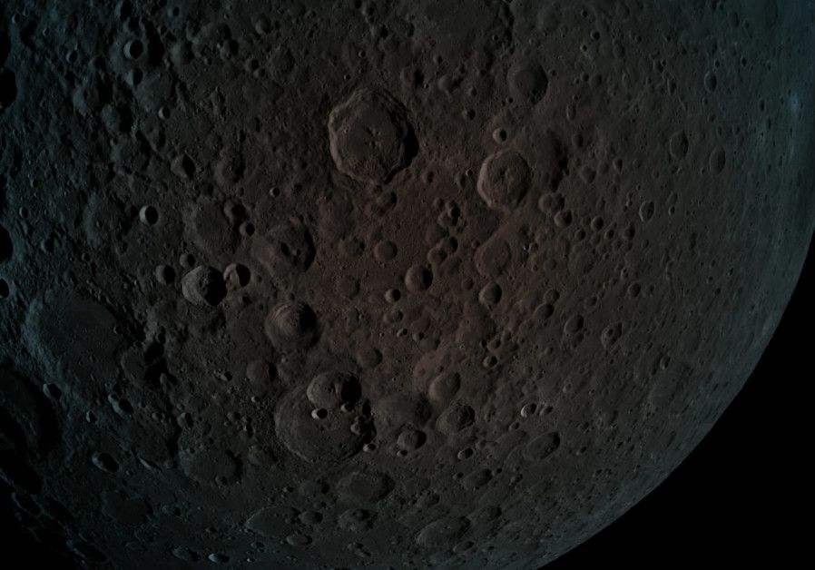 De store kraterne på månen er 4,5 milliarder år gamle, mens de mindre kraterne er yngre. (Foto: Beresheet)