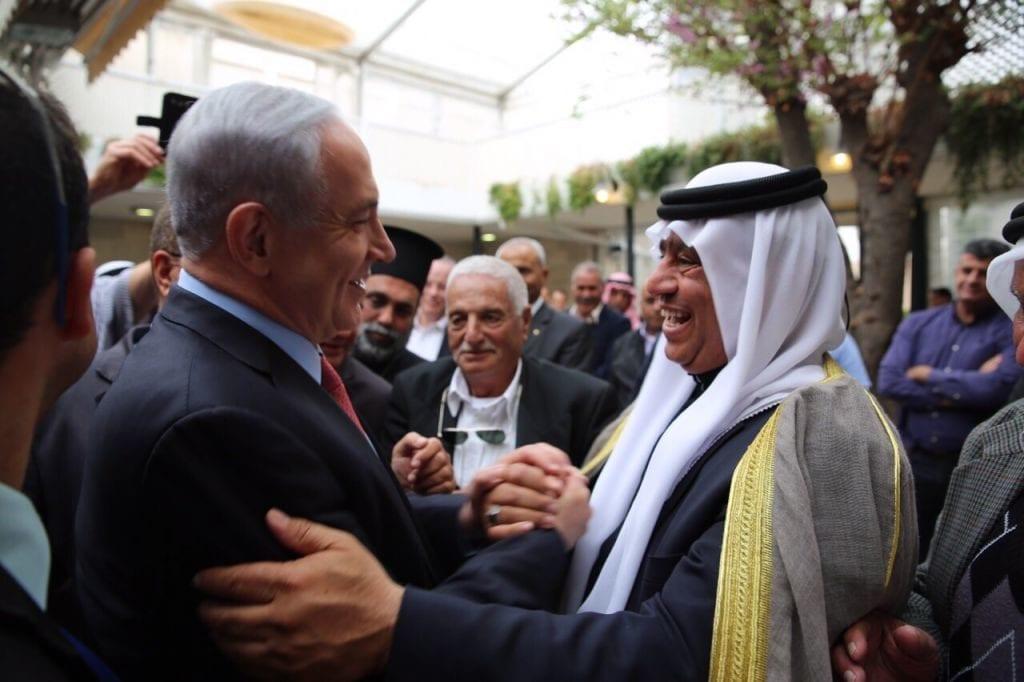Statsminister Benjamin Netanyahu i møte med israelsk-arabiske ledere i mars 2015. (Foto: GPO)